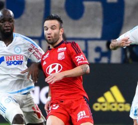 Lassana DIARRA / Mathieu VALBUENA - 20.09.2015 - Marseille / Lyon - 6eme journee de Ligue 1 Photo : Gaston Petrelli / Icon Sport
