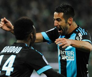 Joie Marseille - Georges Kevin NKOUDOU / Mauricio ISLA - 22.11.2015 - Saint Etienne / Marseille - 14eme journee de Ligue 1 Photo : Jean Paul Thomas / Icon Sport
