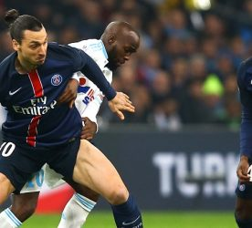 Zlatan Ibrahimovic / Lassana Diarra - 07.02.2016 - Marseille / Paris Saint Germain - 25e journee de Ligue 1 Photo : Manuel Blondeau / Icon Sport