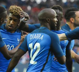 Blaise Matuidi of France celebrates his goal with Kingsley Coman of France and Lassana Diarra of France and Laurent Koscielny of France during the international friendly match between France and Cameroon at Stade de la Beaujoire on May 30, 2016 in Nantes, France. ( Photo by Andre Ferreira / Icon Sport )