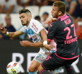 Remy Cabella of Marseille and Alexis Blin of Toulouse during the football Ligue 1 match between Olympique de Marseille and Toulouse Fc at Stade Velodrome on August 14, 2016 in Marseille, France. (Photo by Alexandre Dimou/Icon Sport)